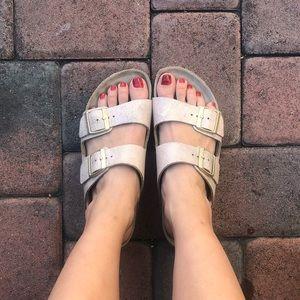 Birkenstock Arizona sandal size 40 (9-9.5)